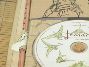 close up of disc paper tray digipak