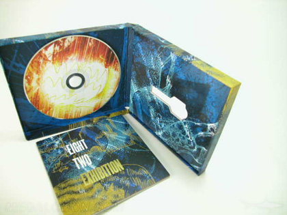 custom disc packaging with usb die cut
